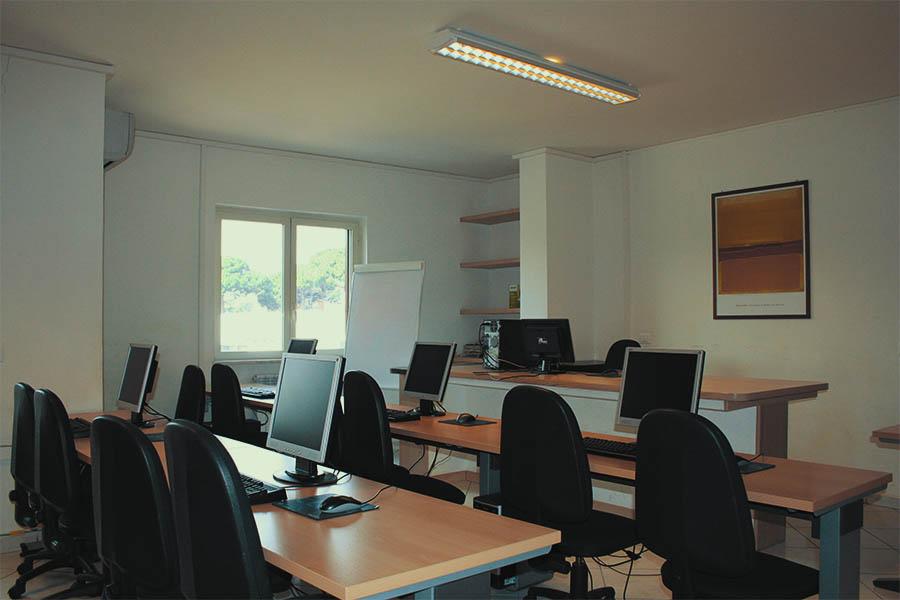 idee-azione-impresa-aula-multimediale-2